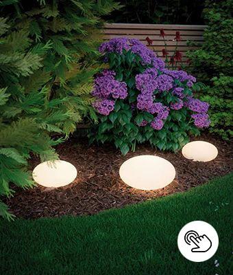 Gartenbeleuchtung Blumenbeet mit LED Lichtobjekt